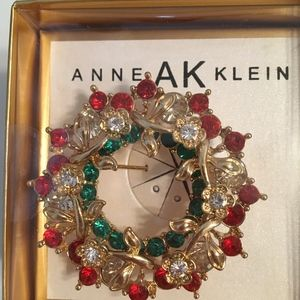 New Boxed Anne Klein Gold Red Green X-mas Brooche